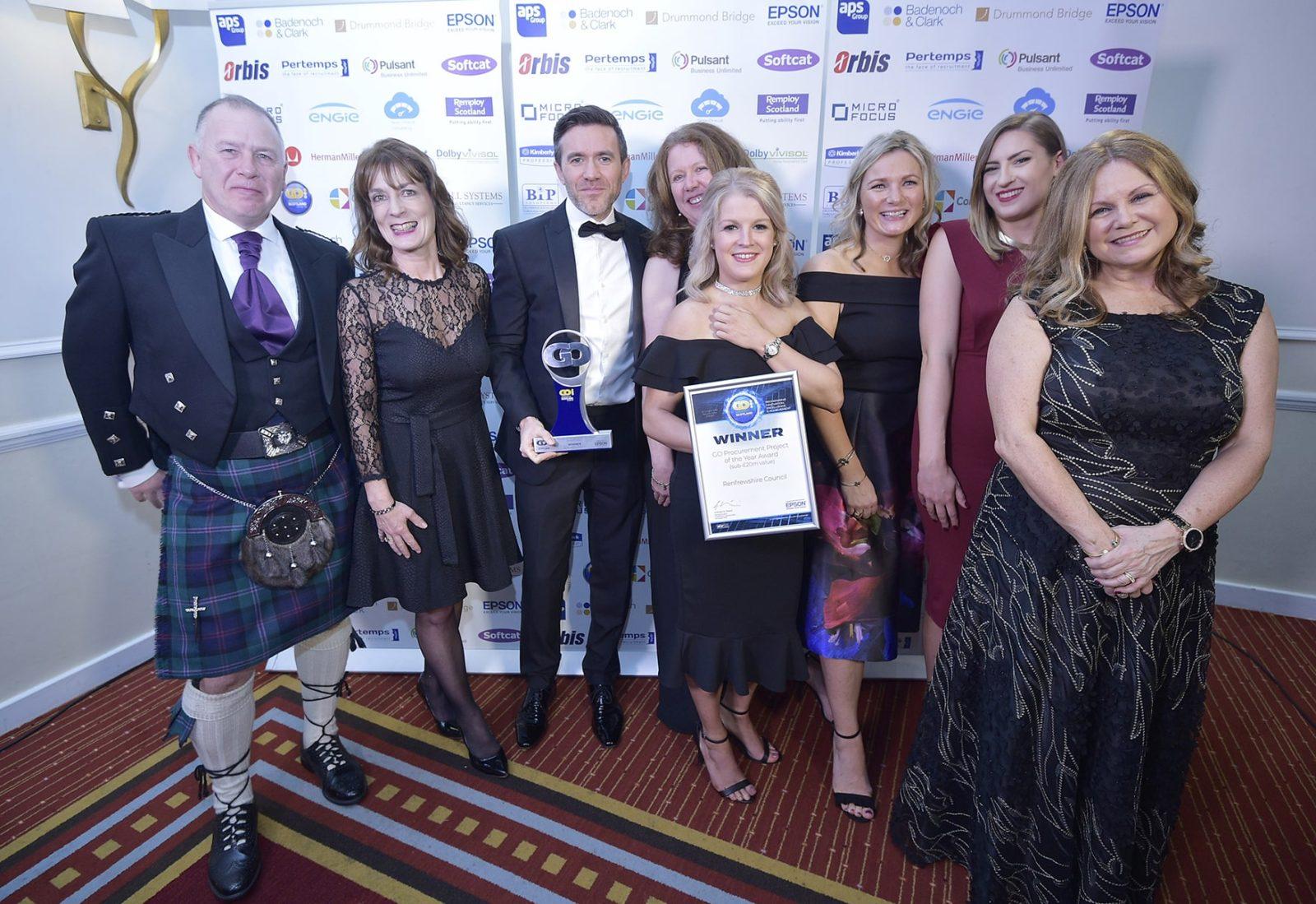 Renfrewshire council team with GO Award